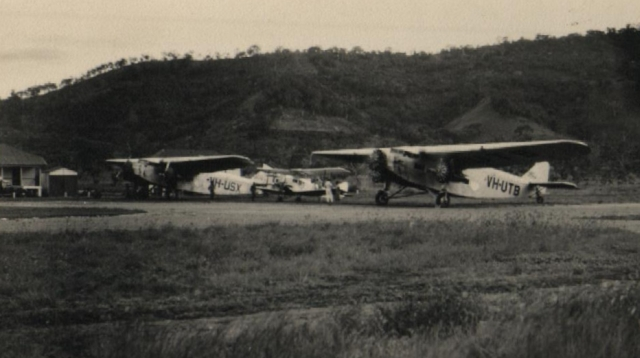 ford trimotor vh-usx and vh-utb