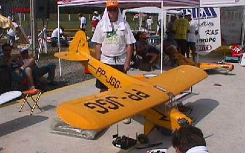 piper j3 cub flying scale model aircraft
