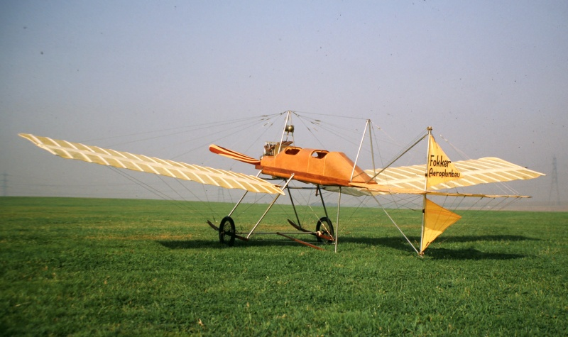 fokker spin flying scale model aircraft